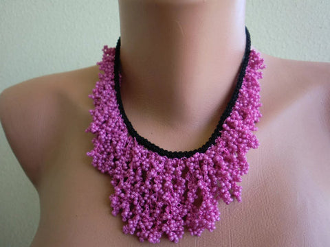 Seeds of Love Boho necklace Geranium pink and black -Hand crocheted