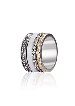The Signature Ring with Zirconia