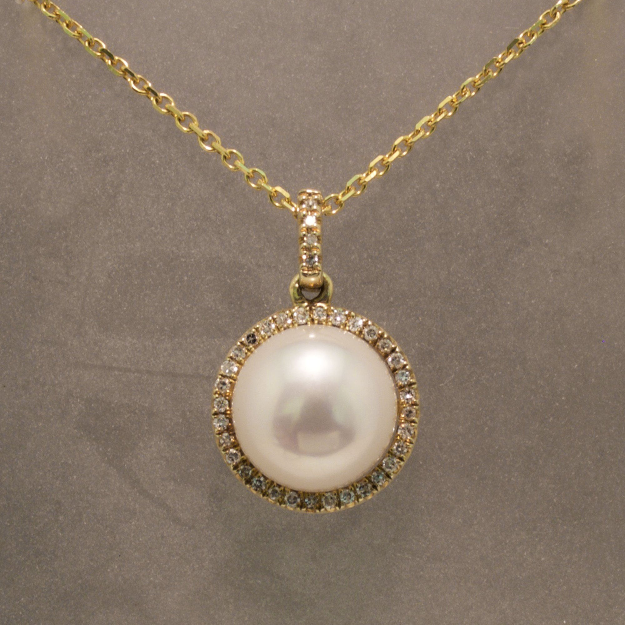 9f8e174875c18 14K Yellow Gold Pearl and Diamond Necklace