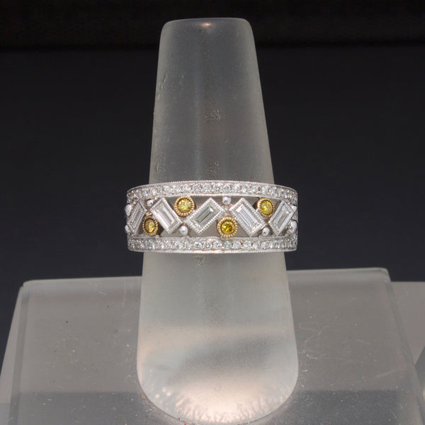 18K White Gold Yellow and White Diamond Ring