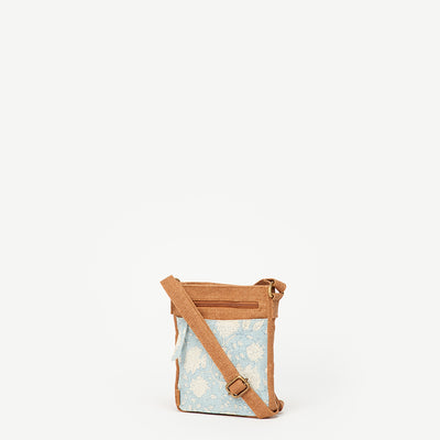 Alia Silk Sky Travel Hipster