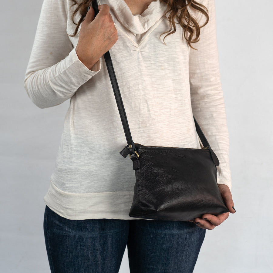 Classic Crossbody in Black Leather