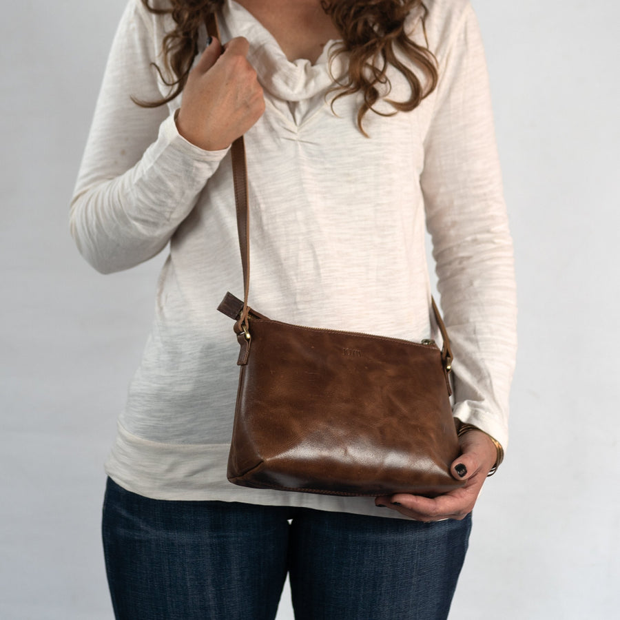 Classic Crossbody in Brown Leather