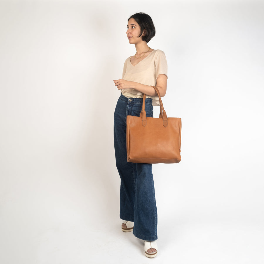 Simple Leather Tote - Light Brown