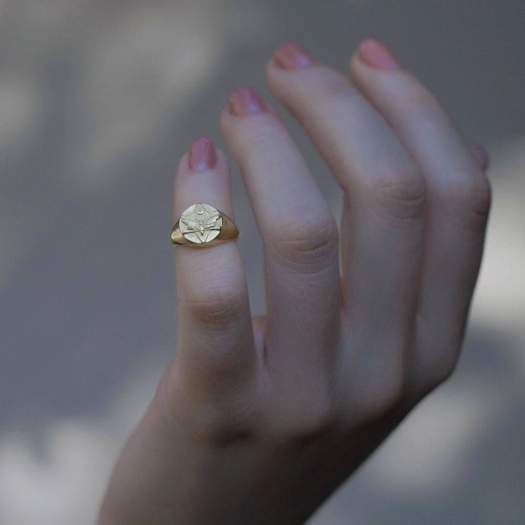 The Lunar Pinky Signet Ring Gold