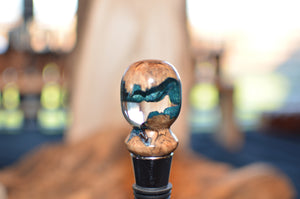 Bottle stopper with burl and resin