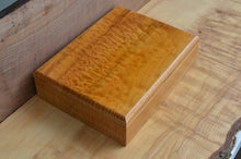 Load image into Gallery viewer, Custom Quilted Maple boat box