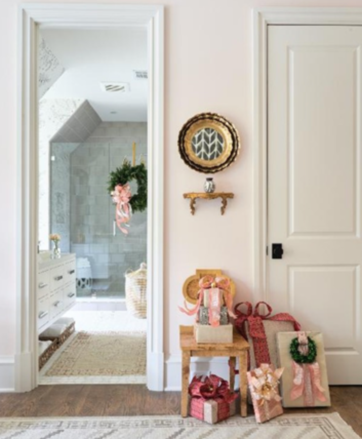 "This is a gorgeous shot of <a href=""http://montgomerygratch.com/"" target=""_blank"">Montgomery Gratch's</a> space. Can't wait to see the rest of it. (Atlanta Homes and Lifestyles; photo: dhcphoto via Instagram.)"