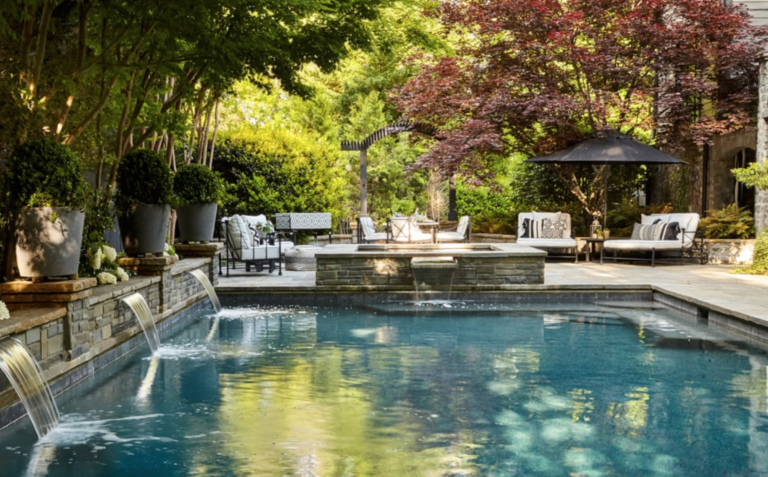 "Kelly Wolf Anthony dreamy and splashy pool.  So gorgeous. (<a href=""https://atlantahomesmag.com/article/destination-home/"" target=""_blank"">Atlanta Homes and Lifestyles</a>/Emily Followill.)"