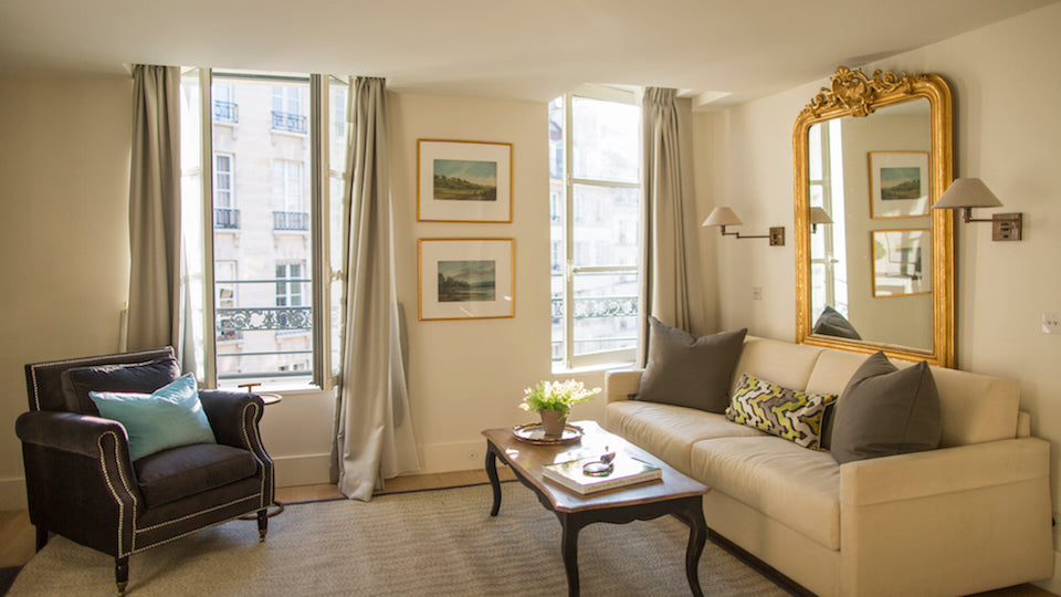 "The warm and welcoming <a href=""http://www.parisperfect.com/apartments-for-rent-in-paris/loupiac.php"" target=""_blank"">Loupiac</a> apartment"