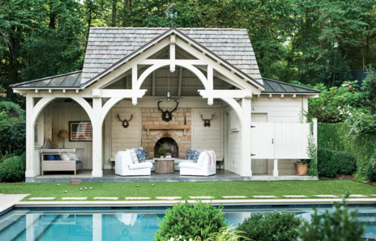 "A poolhouse to die for.  (<a href=""https://atlantahomesmag.com/"" target=""_blank"">Atlanta Homes and Lifestyles</a>/Erica George Dines.)"