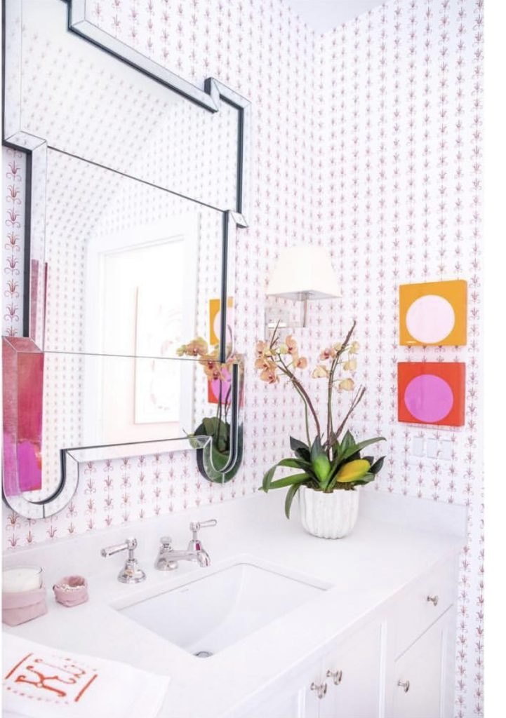 Fabulous bright and cheerful guest bathroom