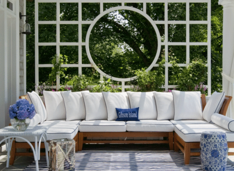 "Oh be still our hearts! White and blue perfection on a porch.  (<a href=""https://www.southernliving.com/"" target=""_blank"">Southern Living</a>/Geoff Hodgdon)"