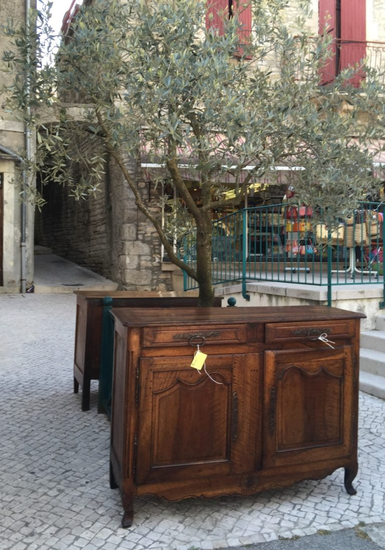 Don't be surprised to see gorgeous antiques strewn on every street corner!