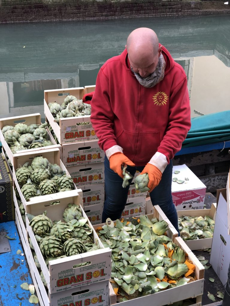 In one of the back alleys we saw a man snipping artichokes, from his barge on the canal. Maybe for Cicchetti?