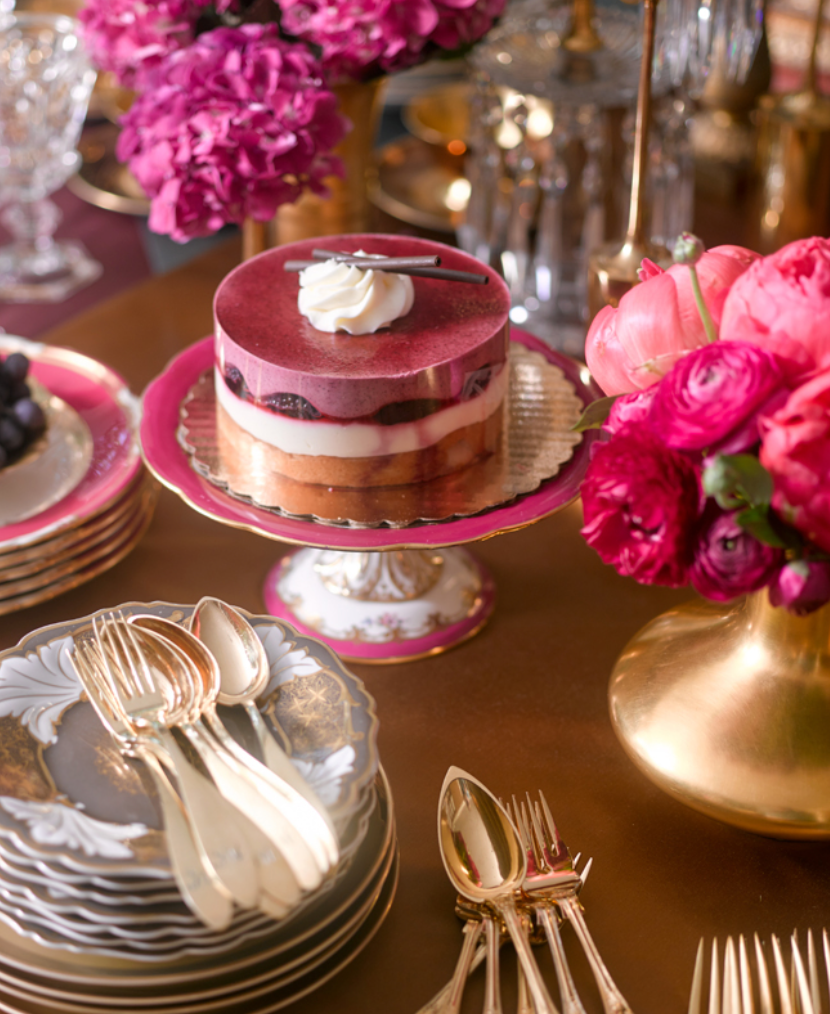 "Pile on the <a href=""http://atlantahomesmag.com/article/the-essence-of-entertaining/"" target=""_blank"">pink and gold</a>!  (David Christensen.)"