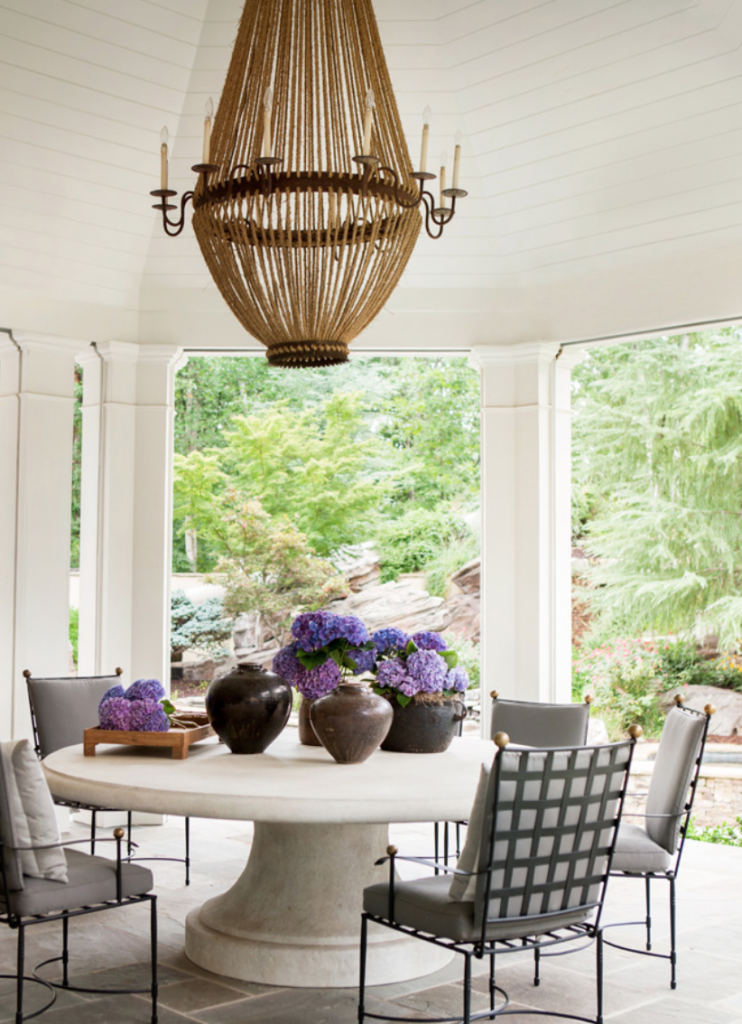 "<a href=""https://amymorrisinteriors.com/"" target=""_blank"">Amy D. Morris </a>conjured up this sweet spot that's just perfect for breakfast, lunch and dinner. (<a href=""https://atlantahomesmag.com/article/jeweled-beauty/"" target=""_blank"">Atlanta Homes and Lifestyles</a>/Erica George Dines)"