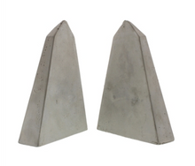Load image into Gallery viewer, Geometric Cement Obelisk Bookends