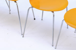 Set of Four 1970s Arne Jacobsen Danish 'Fourmi' Side Chairs with Sunny Color