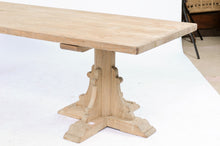 Load image into Gallery viewer, Stripped Oak Table