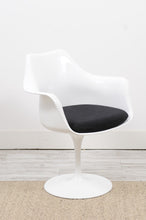 Load image into Gallery viewer, Knoll Style Chairs