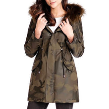 Load image into Gallery viewer, Camo Anorak Jacket