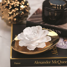 Load image into Gallery viewer, Dream Porcelain Flower Diffuser in Fleur D'Oranger
