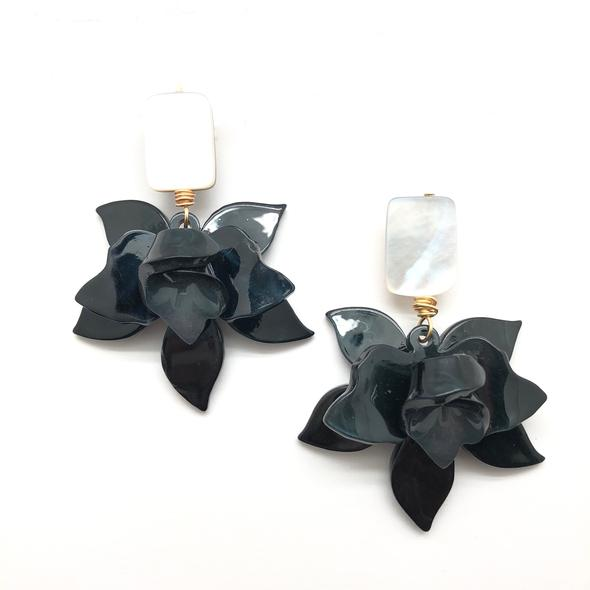 Shiver and Duke Lily Earrings in Black