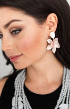 Load image into Gallery viewer, Shiver and Duke Lily Earrings in Pink