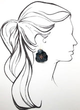 Load image into Gallery viewer, Shiver and Duke Molly Earrings in Black