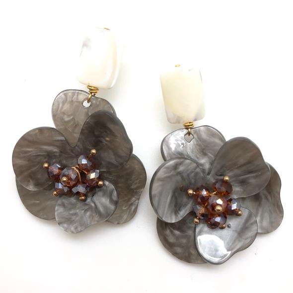 Shiver and Duke Molly Earrings in Grey