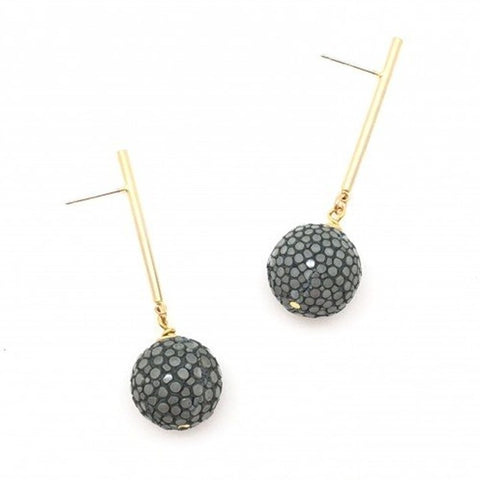 Shiver and Duke Stingray Bar Earrings
