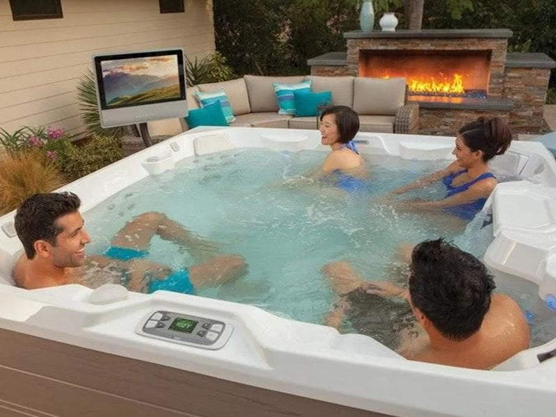 When Is the Best Time to Buy a Hot Tub?