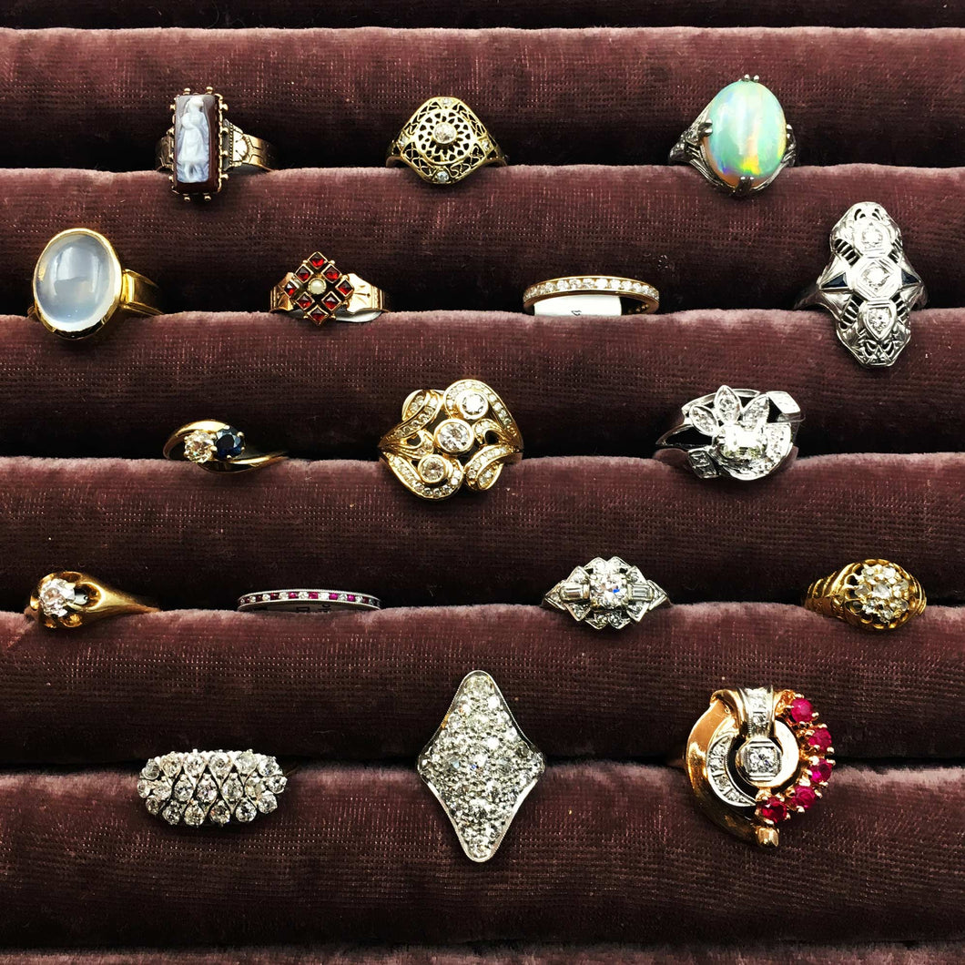 Pippin Vintage Jewelry multiple rings display