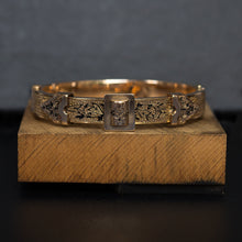 Taille D'Epargne Hinged Bangle c1870