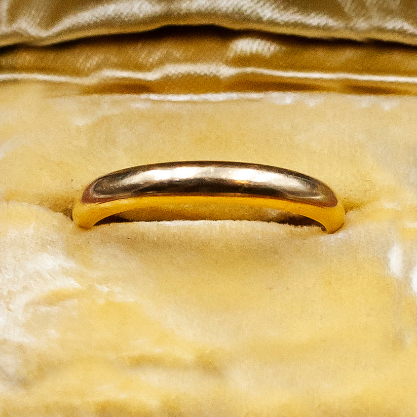 Classic Round Gold Band