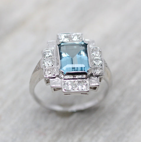 Art Deco 18K Aquamarine Ring