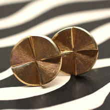 Mid Century 14k solid gold cufflinks with circular tops in perfect condition (front view) | Pippin Vintage Jewelry