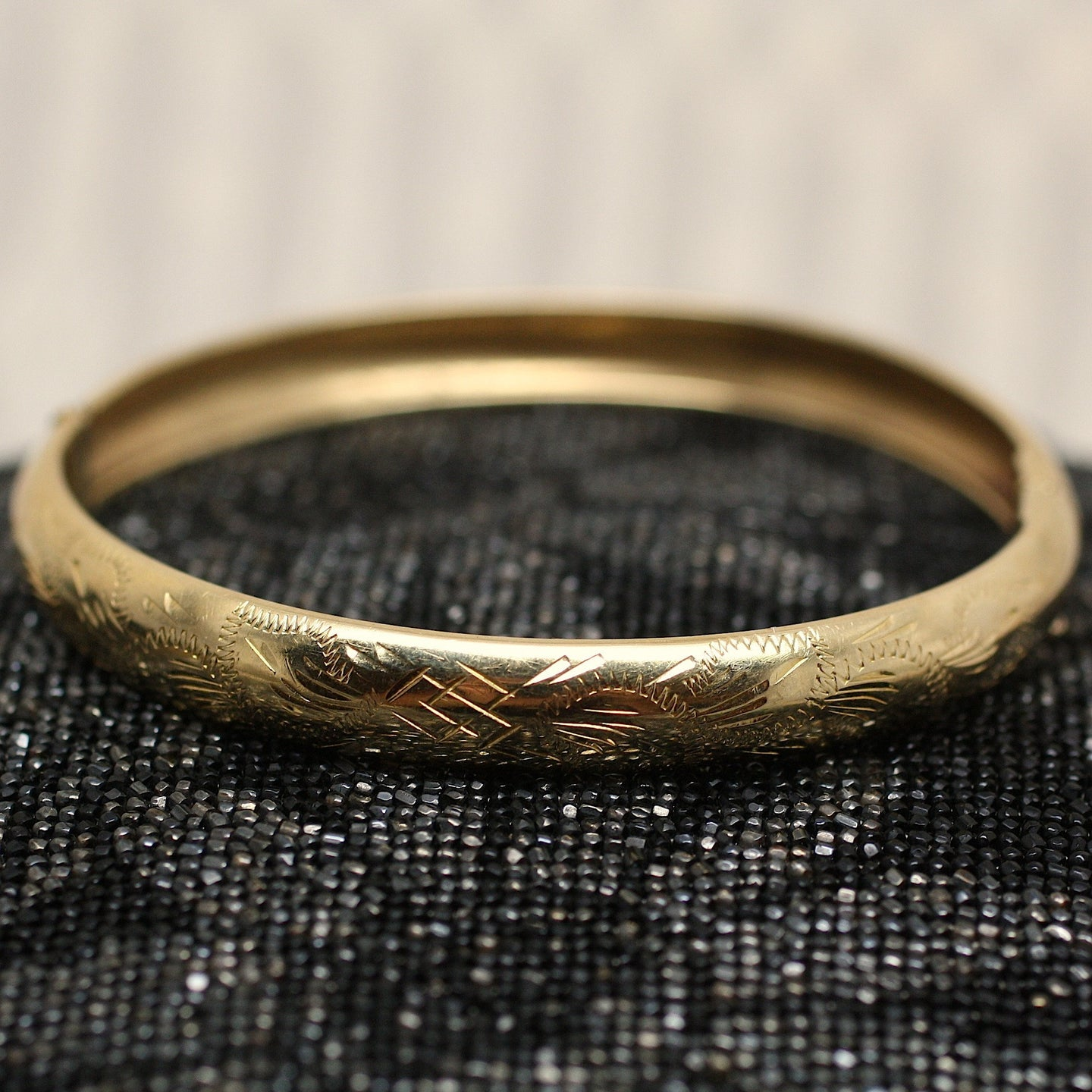 18K Hand Chased Bangle