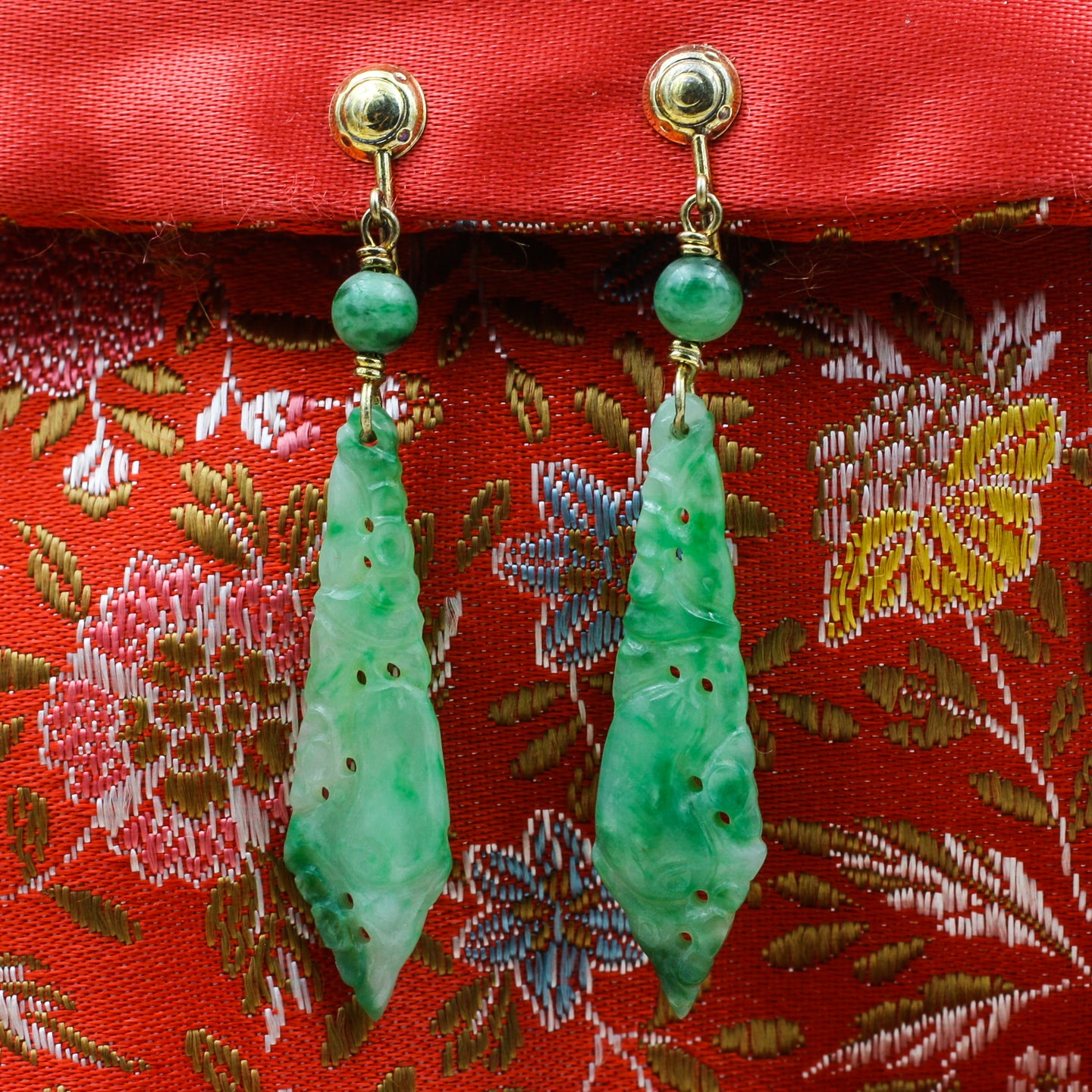 1930s Natural Undyed Jade Drop Earrings