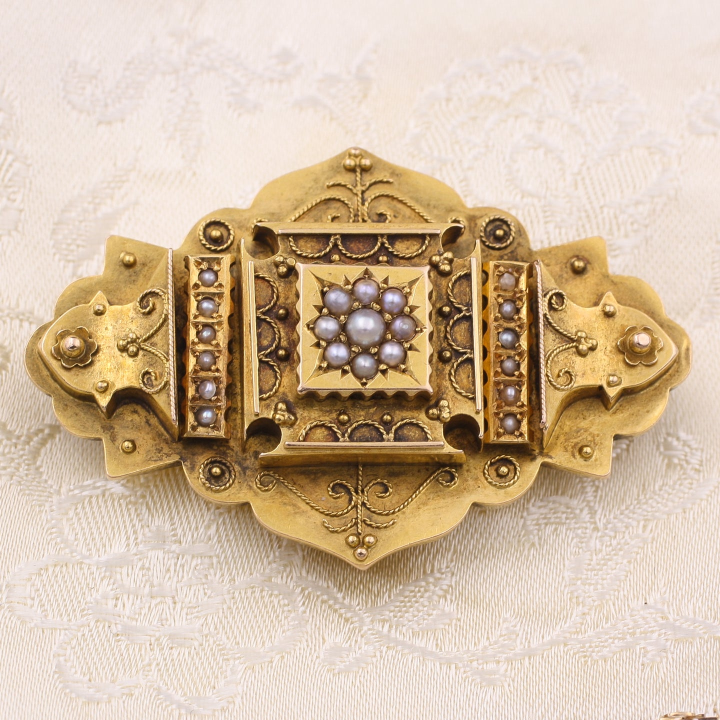 Victorian Gold and Pearl Brooch c1870