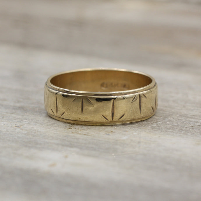 c1950 Carved Arrows Gold Band
