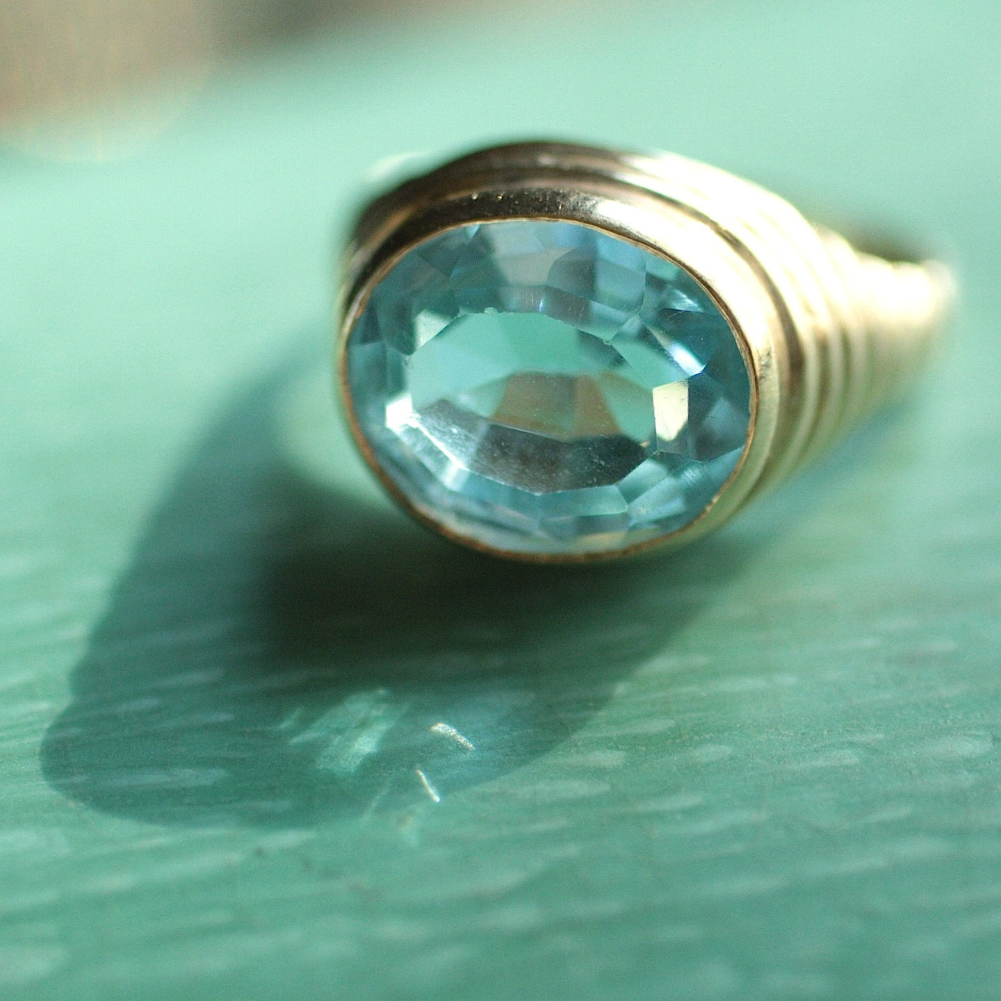 Circa 1980 14K Glass Ring