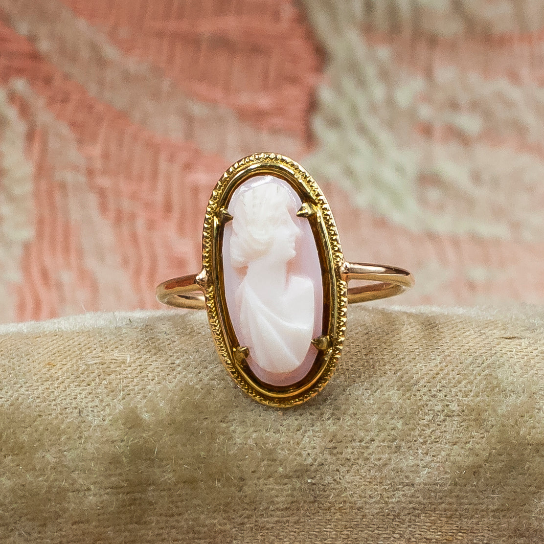 Queen Conch Cameo Ring c1900
