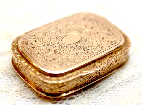 c.1900 18K Gold Spanish Pill Box