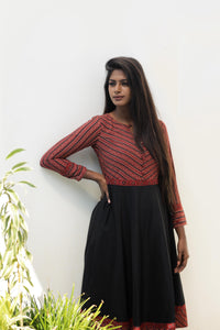 beautiful and comfortable top, latest collection of black and maroon colour full sleeve short dress