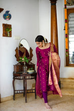 Load image into Gallery viewer, Saatvika Magenta Unstitched Set of Top and Dupatta