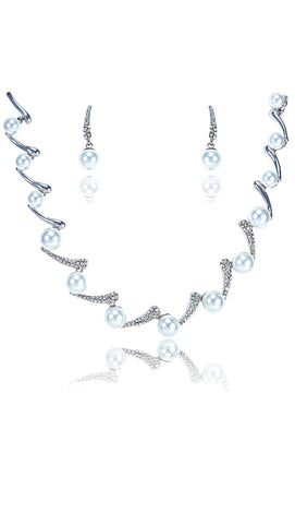 Venetian Pearl Necklace Set