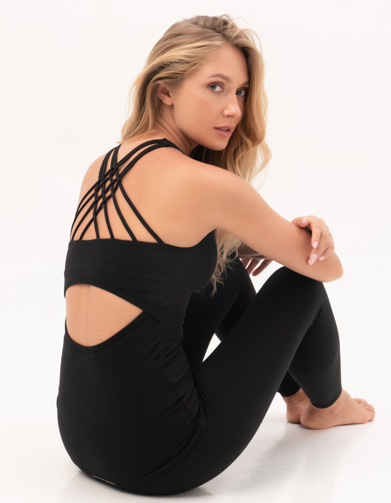 Gravity Strappy Tank Top with Bra | Black Sapphire