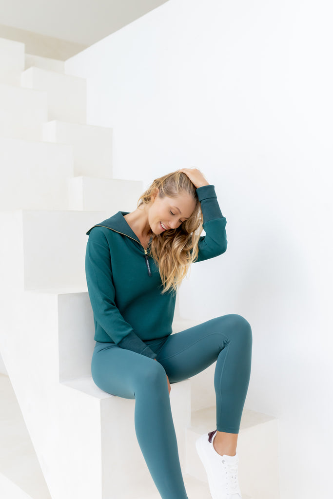 Gravity Turtle Neck Sweater | Emerald Green